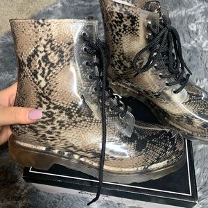 Snakeskin jelly lace up boots